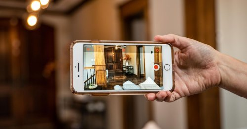 Turn an old phone into a security camera in 3 steps. Here's how to do it