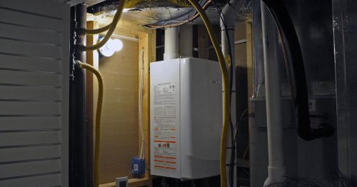 Storage tank water heaters vs. tankless water heaters
