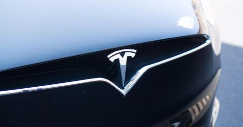Tesla Model S crash investigation: Driver likely behind the wheel after all