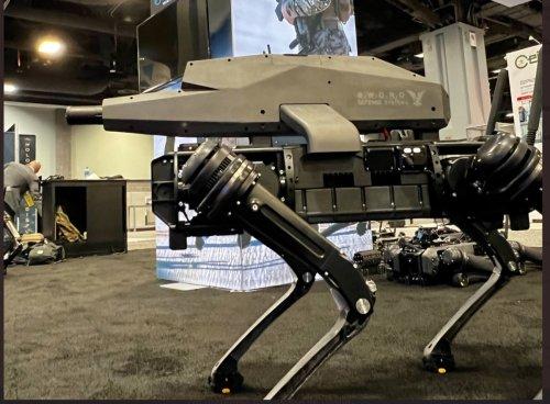 États-Unis : le premier chien-robot armé d'un fusil d'assaut a été dévoilé