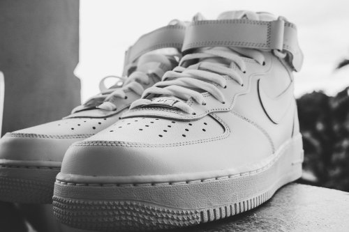 Voici 5 astuces pour nettoyer ses baskets blanches