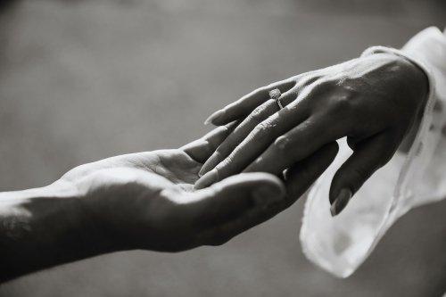 Elle apprend qui lui reste une semaine à vivre et organise son mariage en 48 heures