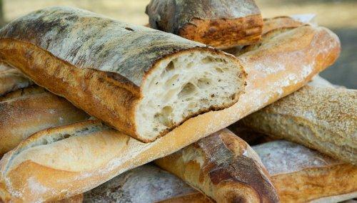 L'astuce à connaître pour transformer du pain rassis en pain frais