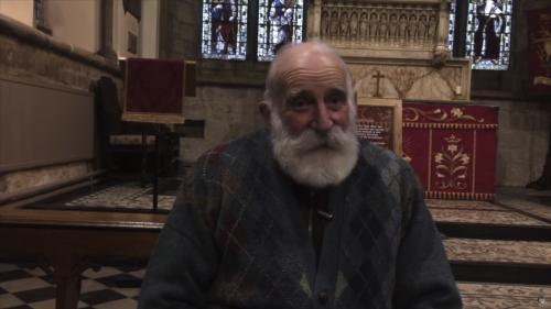 A 84 ans, cet ancien agriculteur est devenu une star de la méditation sur Youtube