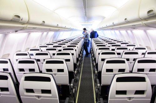 Les hotesses de l'air apprennent à se battre face aux passagers agressifs
