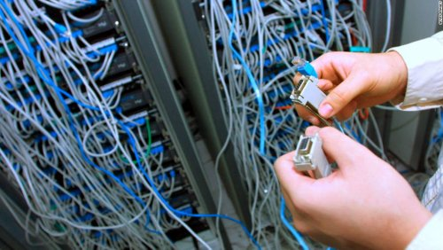 Massive internet outage: Websites and apps around the world go dark