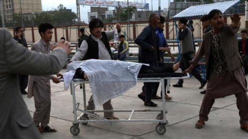 Afghanistan: Almeno 50 morti e più di 100 feriti nell'esplosione vicino una scuola per ragazze a Kabul » Guerre nel Mondo
