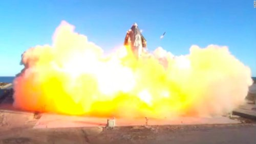 A SpaceX Mars rocket prototype just exploded. It was still a success