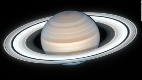 Hubble telescope captures stunningly clear image of Saturn
