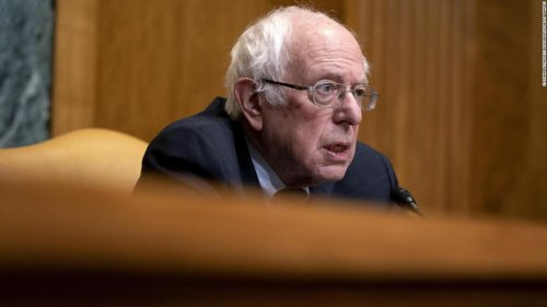 Sanders: I 'don't feel comfortable' about permanent Twitter ban against Trump