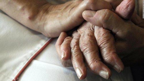 FDA adviser resigns over approval of new Alzheimer's drug