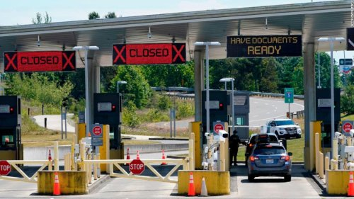 US extends Covid-19 travel restrictions with Canada and Mexico