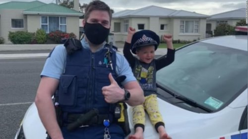 Police respond to 4-year-old's adorable emergency call