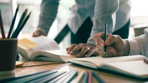 7 websites for impressive deals on college textbooks - CNN Underscored