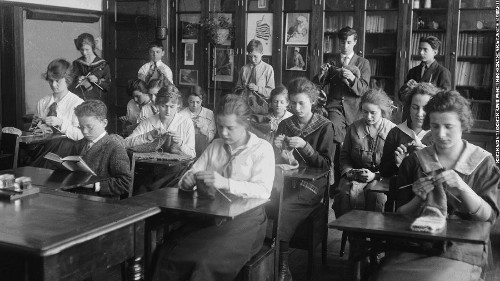 Here's what happened when students went to school during the 1918 pandemic