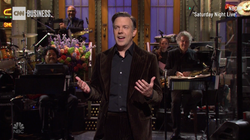 Watch Jason Sudeikis' funniest 'SNL' skits from this weekend