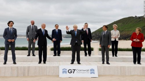 What is the G7, and what power does it hold?