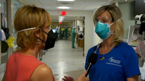 Nurse says patients in ICU with Covid-19 begging for vaccine