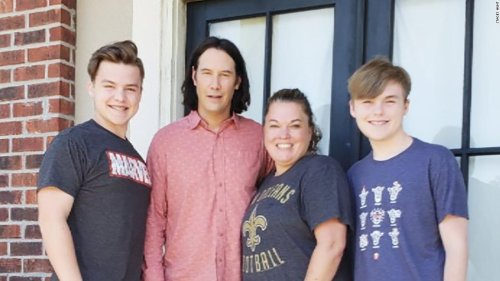 Keanu Reeves' most excellent surprise for one fan is 'breathtaking' and once again gifts the internet | CNN