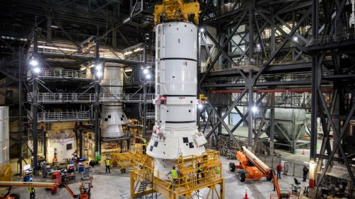 NASA begins assembling the rocket for Artemis moon mission