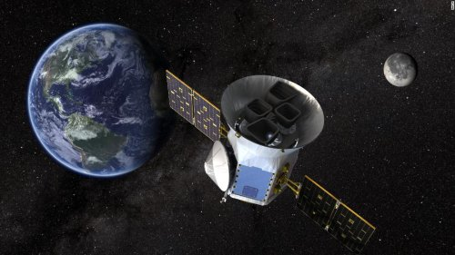NASA's planet-hunting satellite TESS launches - CNN