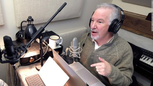 Conservative talk show host Phil Valentine dies after battle with Covid-19, his employer says