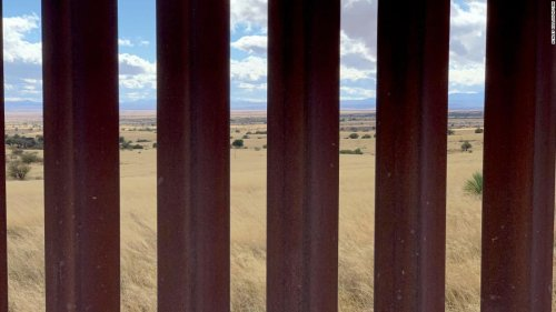 Border wall construction presses full steam ahead in final days of Trump administration