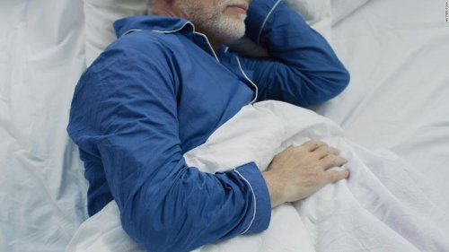 Poor sleep linked to dementia and early death, study finds