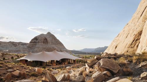 Amangiri's Safari-Style Camp in Utah Is the Escape We Need
