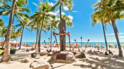 A Look Back at Waikiki's Surf History—and Why It's Still the Best Place to Learn the Sport