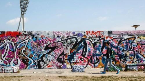 On the Berlin Wall, Street Artists Are Leaving Coronavirus-Inspired Murals