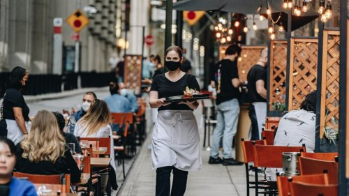 How Much Should I Tip Restaurant Workers During the Pandemic?