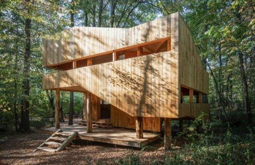 Le Château Ambulant, la casa interamente costruita in legno | Collater.al