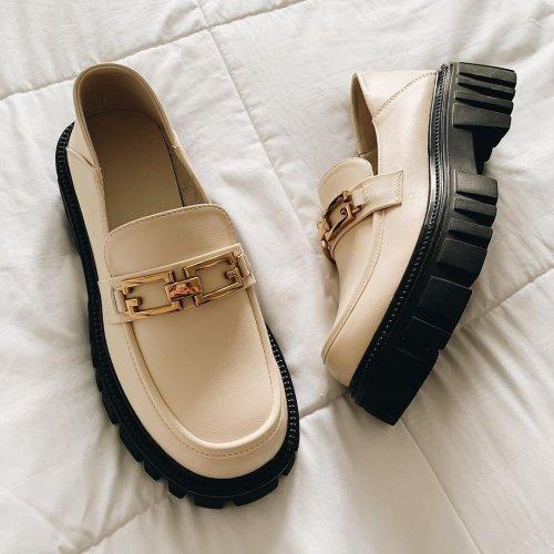 8 Must-Have Shoes for Fall 8 Must-Have Shoes for Fall - College Fashionista