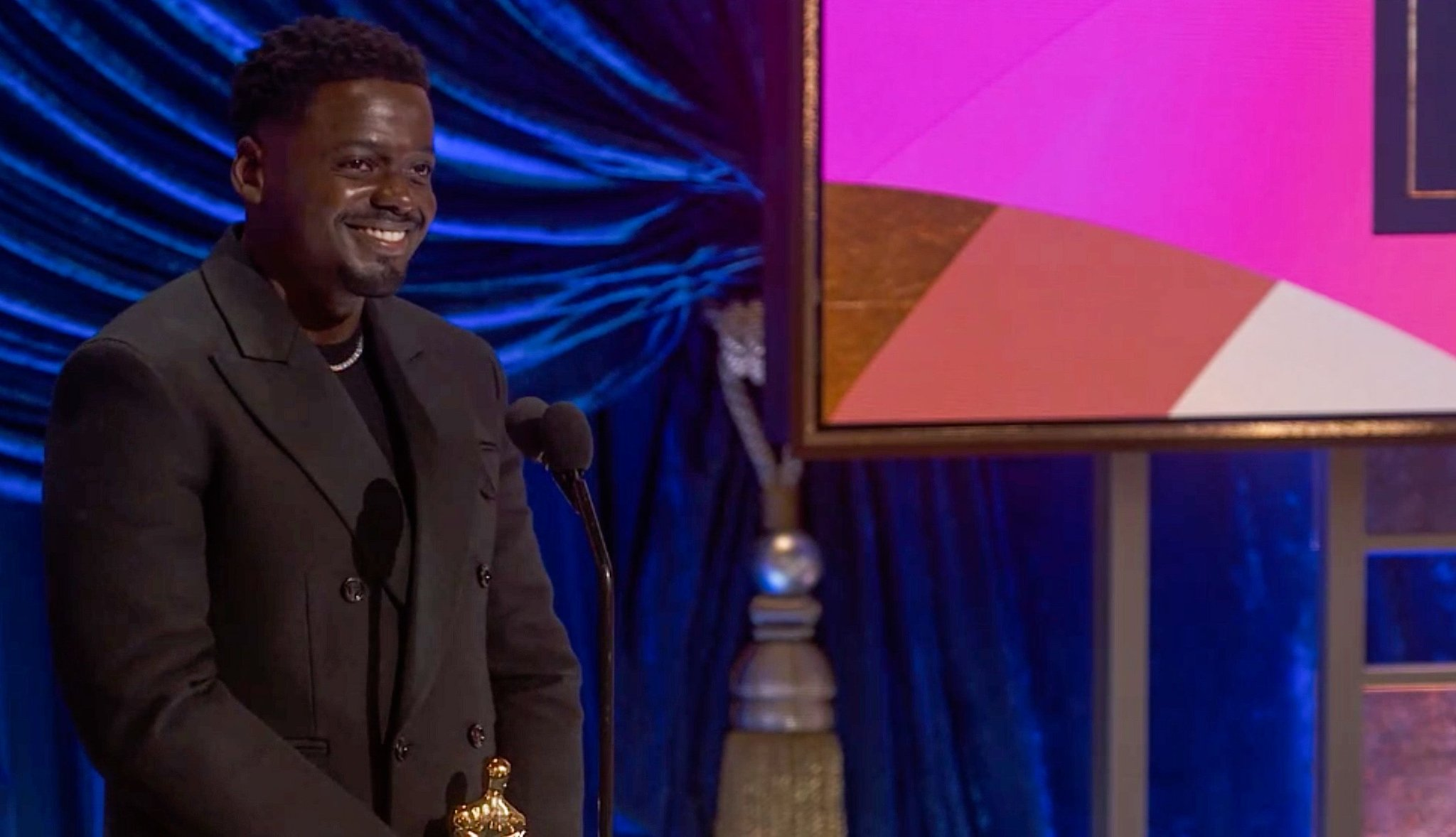 The Oscars Gambled on a Risky Ending, and It Absolutely Backfired - cover