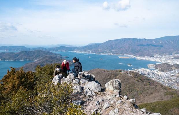 海だけじゃない! 小豆島で絶景&絶叫の山歩き