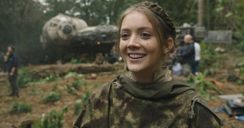 Star Wars: Billie Lourd Shares Adorable Photo of Son Watching Princess Leia
