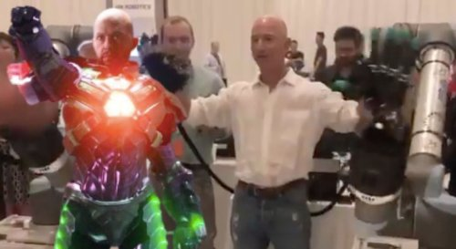 Lex Luthor Trends on Twitter After Jeff Bezos Tests New Robotics Technology