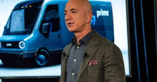 There Is a Petition To Keep Amazon's Jeff Bezos From Coming Back to Earth