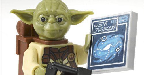 LEGO Star Wars Galaxy Atlas With Exclusive Yoda Minifigure Is On Sale Now