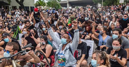 Florida Senate Advances 'Dangerous' Bill Critics Warn Criminalizes Peaceful Protesters