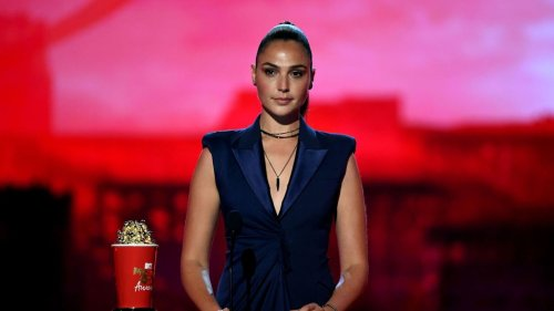 """Gal Gadot Says 'Justice League' Director Joss Whedon """"Threatened My Career'"""