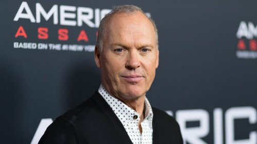People React to First Glimpse of Michael Keaton as Bruce Wayne in 'The Flash'
