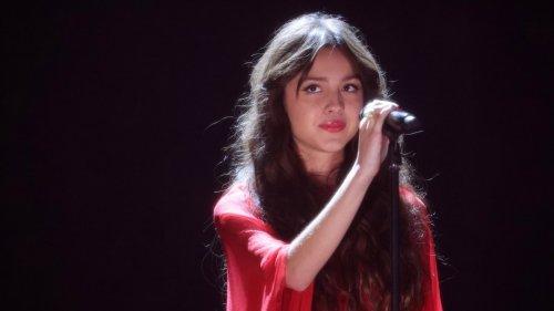 "Watch Olivia Rodrigo Perform ""Drivers License"" on 'Saturday Night Live'"