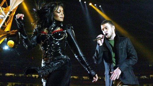 Stylist Claims Justin Timberlake 'Wanted a Reveal' During Janet Jackson Super Bowl Performance