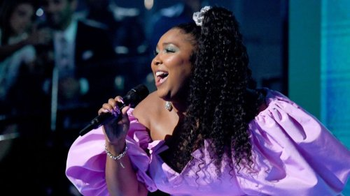 Lizzo Admits to Drunkenly Sliding Into Chris Evans' DMs