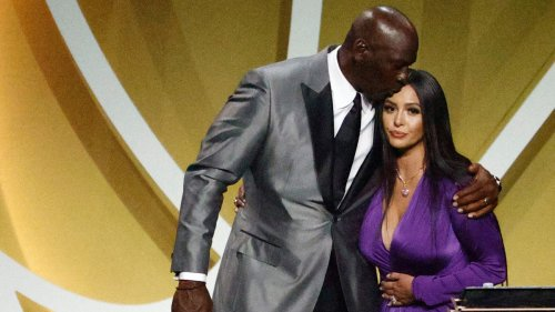 Watch Vanessa Bryant Deliver Emotional Basketball Hall of Fame Induction Speech