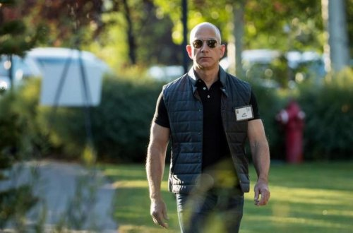 Jeff Bezos explica por qué dejó de dormir 4 horas al día, y los beneficios que le aporta dormir 8 horas