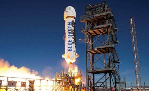 El cohete del fundador de Amazon transportará 6 pasajeros al espacio en julio, y hay una plaza libre para tí