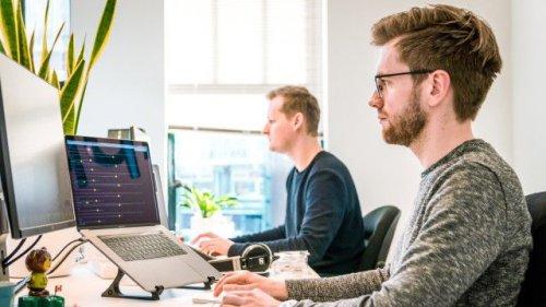 Glassdoor-Studie: Karriereorientierte wollen zurück ins Büro